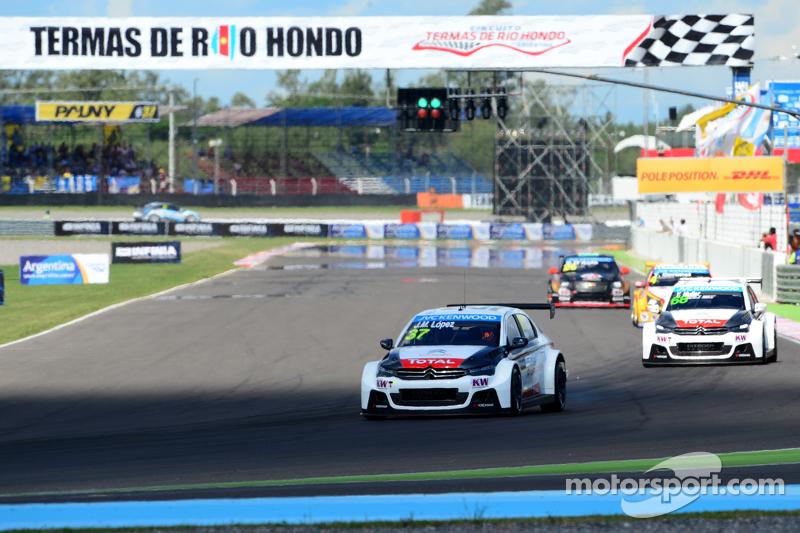 Jose Maria Lopez, Citroën Total WTCC, Citroën C-Elysée WTCC, und Yvan Muller, Citroën Total WTCC, Citroën C-Elysée WTCC
