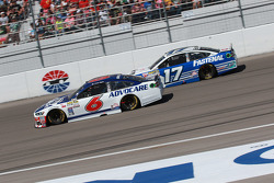 Trevor Bayne, Roush Fenway Racing, Ford, und Ricky Stenhouse jr., Roush Fenway Racing, Ford