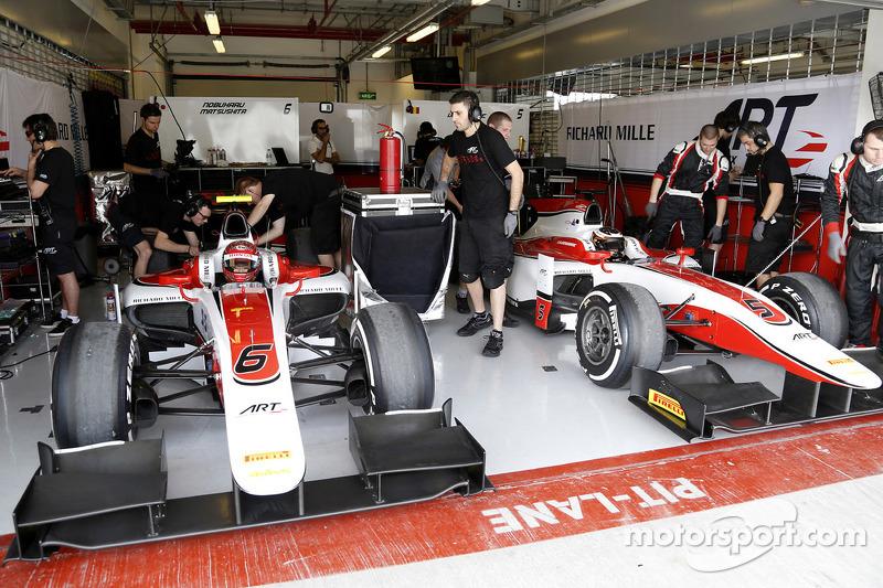 Die Garage von ART Grand Prix mit Stoffel Vandoorne, ART Grand Prix