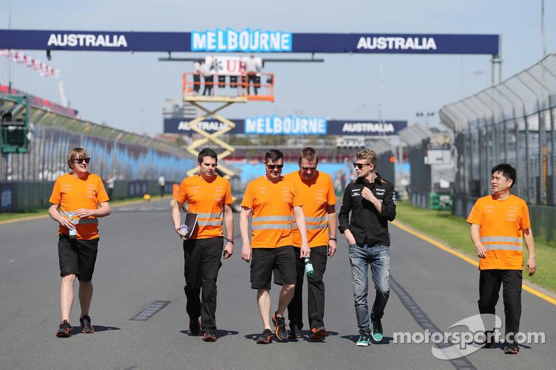 نيكو هلكنبرغ، سهارا فورس إنديا للفورمولا 1 يسير على الحلبة مع الفريق