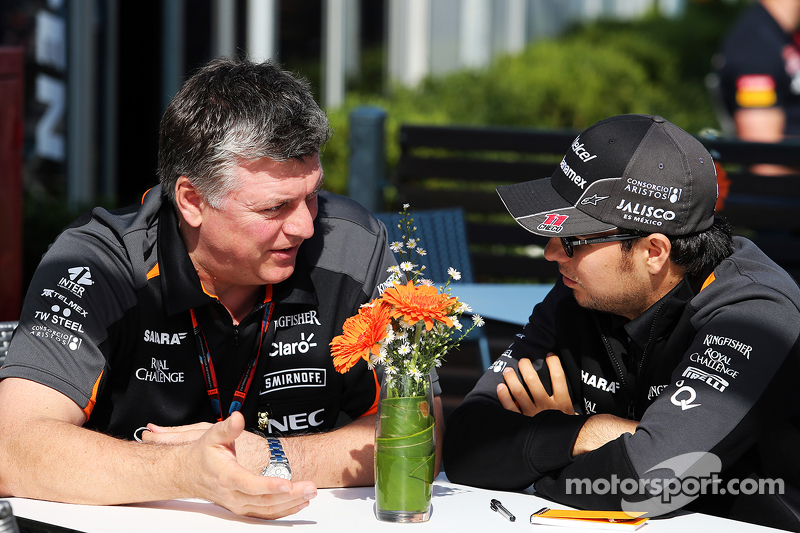 Otmar Szafnauer, Sahara Force India F1 Chief Operating Officer with Sergio Perez, Sahara Force India F2