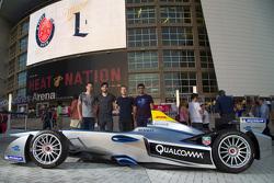 Daniel Abt, Audi Sport ABT, Jaime Alguersuari, Virgin Racing, Sam Bird, Virgin Racing, Karun Chandhok, Mahindra Racing in front of the Miami Heat basketball court