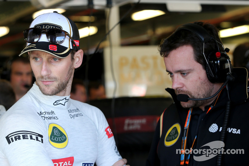 Romain Grosjean, Lotus F1 Team and Julien Simon-Chautemps, Romain Grosjean race engineer, Lotus F1 Team