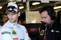 رومان غروجان، فريق لوتس للفورمولا واحد، جوليان سيمون-شوتون، مهندس سباقات رومان غروجان، فريق لوتس للفورمولا واحد