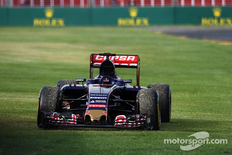 Der Scuderia Toro Rosso STR10 von Max Verstappen, Scuderia Toro Rosso, nach dessen Ausfall