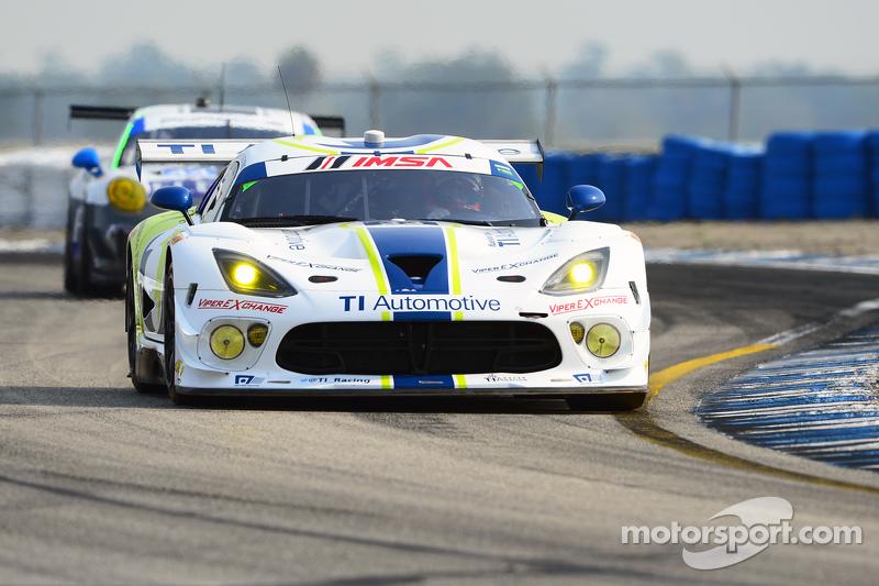 #33 Riley Motorsports, SRT Viper GT3-R: Ben Keating, Jeroen Bleekemolen, Sebastiaan Bleekemolen