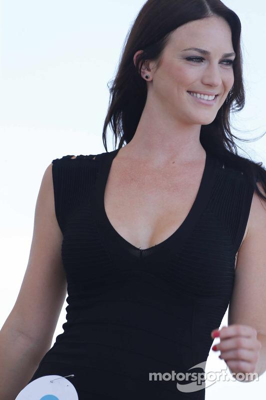 Una bella concorrente per il famoso Sebring Bikini Contest