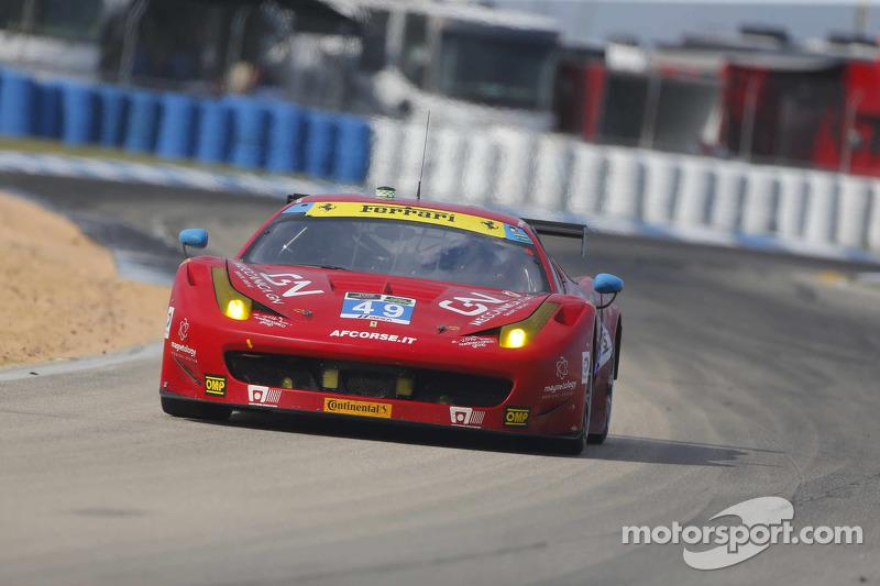 #49 AF Corse Ferrari 458 Italia: Piergiuseppe Perazzini, Marco Cioci, Rui Aguas, Enzo Potolicchio
