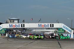 Старт: впереди Оливье Пла, Трейси Крон, Ник Джонссон, Krohn Racing, Ligier JS P2 Judd