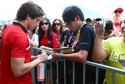 Roberto Merhi, Manor F1 Team signs autographs for the fans