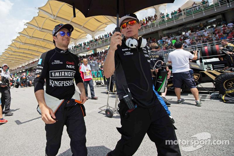 Sergio Perez, Sahara Force India F1 en la parrilla