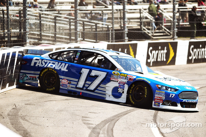 Masalah untuk Ricky Stenhouse Jr., Roush Fenway Racing Ford