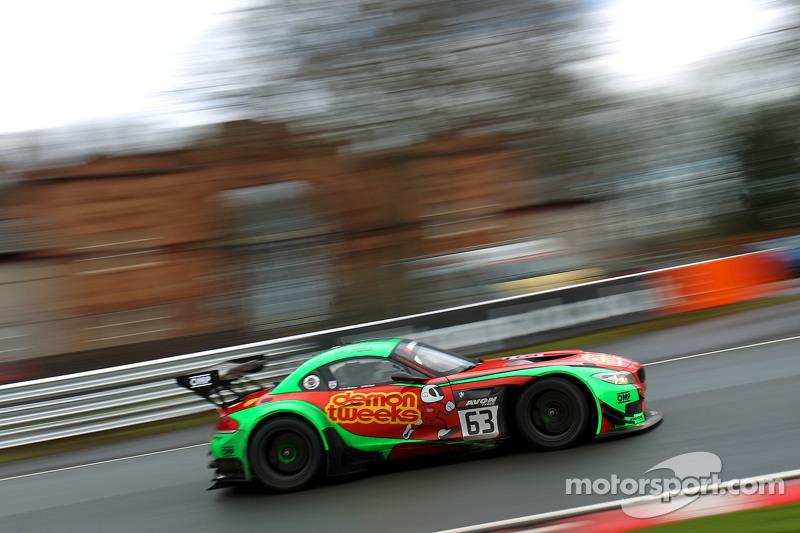#63 俄罗斯车队,宝马Z4 GT3: Jon Minshaw, Phil Keen