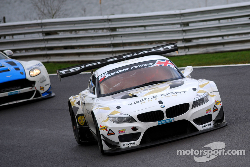 #888 Triple Eight Racing,宝马Z4 GT3: Lee Mowle, Joe Osborne