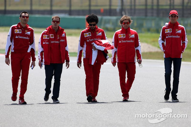 Sebastian Vettel, Scuderia Ferrari, dan Esteban Gutierrez, Scuderia Ferrari