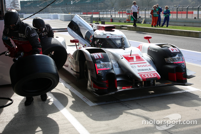 #7 Audi Sport Team Joest, Audi R18 e-tron quattro: Marcel Fässler, AndreÌ Lotterer, Benoit Tréluye