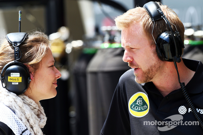 Jennie Gow, BBC Radio 5 Live Pitlane Reporter with Andy Stobart, Lotus F1 Team Press Officer