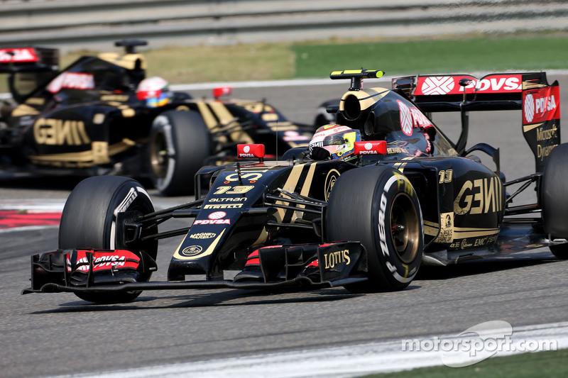 Pastor Maldonado, Lotus F1 Team e Romain Grosjean, Lotus F1 Team
