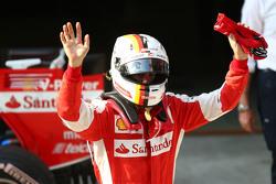Le troisième Sebastian Vettel Ferrari