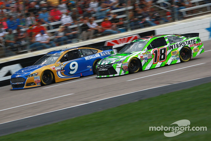 David Ragan, Joe Gibbs Racing Toyota dan Sam Hornish Jr, Petty Racing Ford