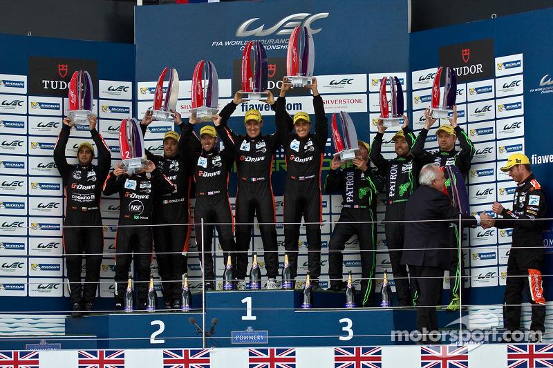 LMP2 podium:Juara balapanRoman Rusinov, Julien Canal, Sam Bird, peringkat kedua Gustavo Yacaman, Pipo Derani, Ricardo Gonzalez, third place Scott Sharp, Ryan Dalziel, David Heinemeier Hansson