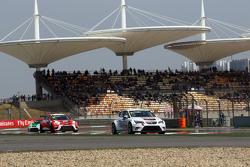 Lorenzo Veglia, Liqui Moly Team Engstler, SEAT Leon Racer, dan Sergey Afanasyev, SEAT Leon Racer, Te