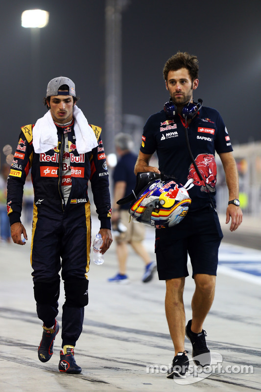 Carlos Sainz Jr. with Sam Village, Scuderia Toro Rosso