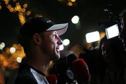 Jenson Button, McLaren, mit der Presse
