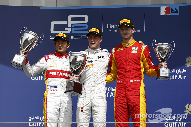 Podium: 1. Stoffel Vandoorne, ART Grand Prix; 2. Rio Haryanto, Campos Racing, und 3. Alexander Rossi, Racing Engineering