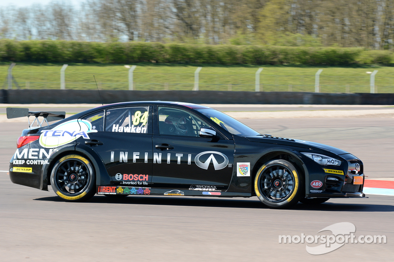 Richard Hawken, Infiniti Support Our Paras Racing