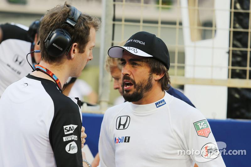 Fernando Alonso, McLaren, in der Startaufstellung