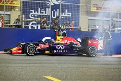 Даниэль Риккардо, Red Bull Racing RB11 остановился после поломки двигателя