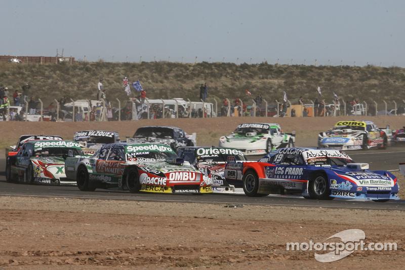 Matias Rodriguez, UR Racing, Dodge; Camilo Echevarria, Coiro Dole Racing, Torino; Facundo Ardusso, T