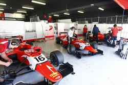 Aleksander Bosak, Emil Bernstorff ve Kevin Ceccon'ın araçları, Arden International_G7C0510