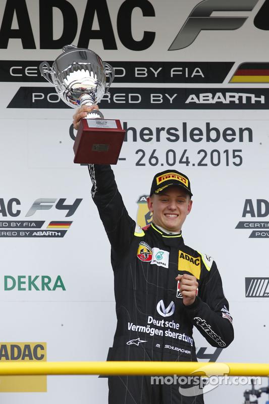 Vencedor da Corrida 3: Mick Schumacher, Van Amersfoort Racing