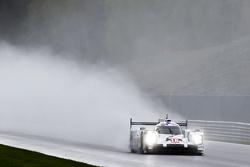 #18 Porsche Team 919 Hybrid Romain Dumas, Neel Jani, Marc Lieb