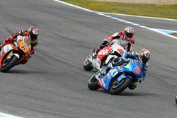 Maverick Viñales, Team Suzuki MotoGP, con Jack Miller, Team LCR Honda, y Loris Baz, Forward Racing Yamaha