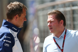 (L naar R): Steve Nielsen, Williams Sporting Manager met Jos Verstappen