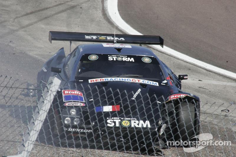 Crash for #19 Red Racing Lister Storm: Romain Yvon, Romain Brandela
