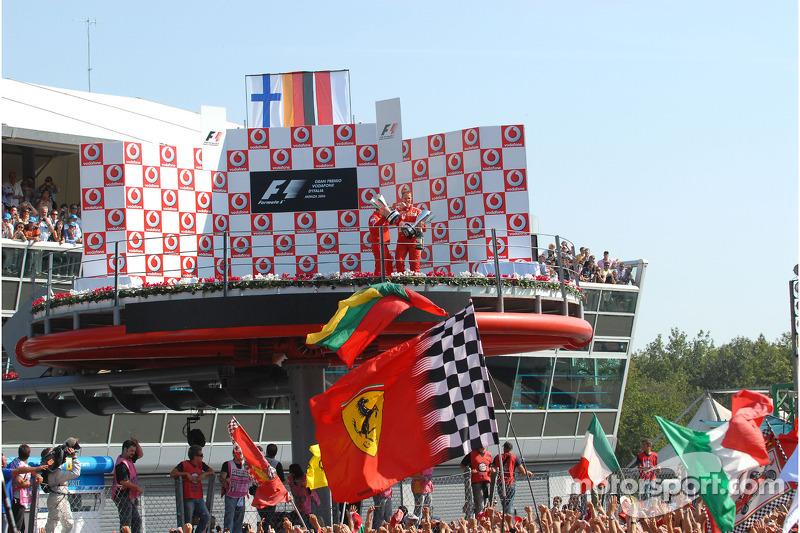 Podium: 1. Michael Schumacher und Jean Todt