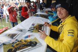 James Ellison signs autographs