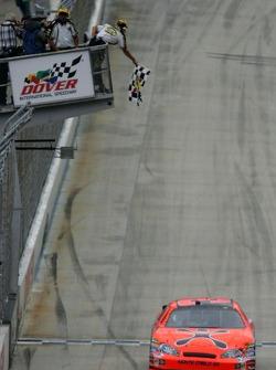 Jeff Burton takes the checkered flag