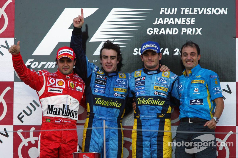Podio: ganador de la carrera Fernando Alonso, segundo lugar Felipe Massa y tercer lugar Giancarlo Fi