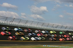 Jimmie Johnson, Jeff Gordon and Casey Mears lead the pack