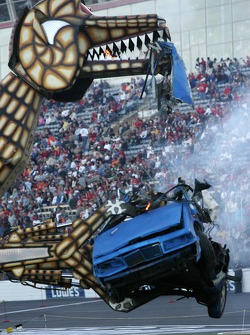 Robot Wars: the Megasaurus at work