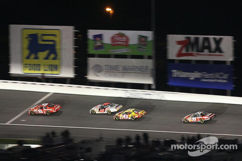 Dale Earnhardt Jr, David Stremme, Bobby Labonte et Carl Edwards