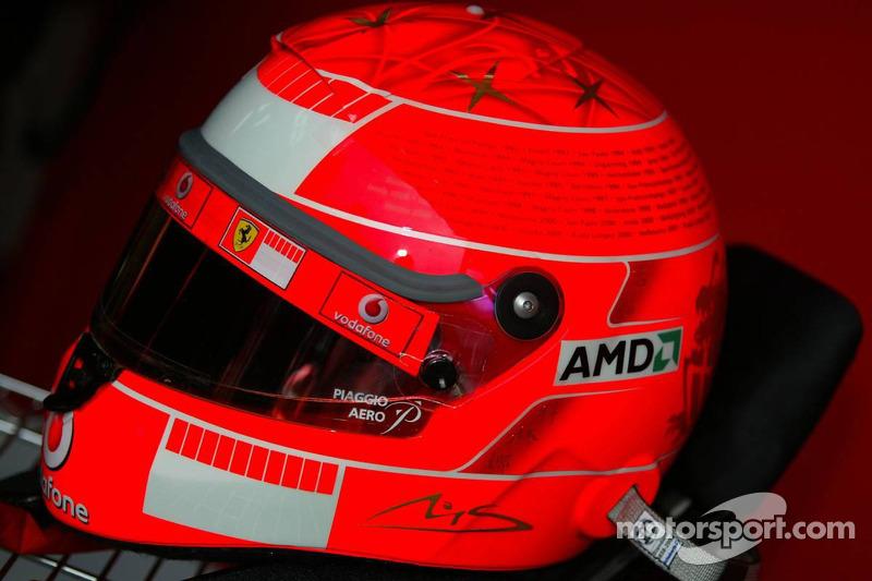 Casque pour la dernière course de Michael Schumacher