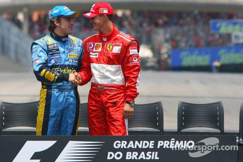 Shakehands der Titelrivalen Alonso und Schumacher