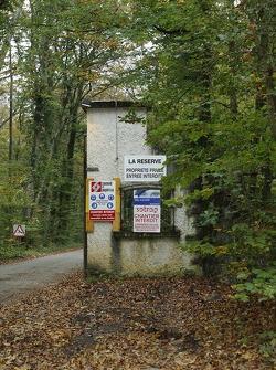 Entrée de la résidence privée de Michael Schumacher à Gland avec point de passage sécurisé