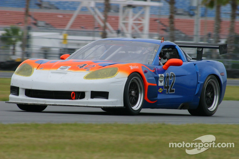 La Corvette n°42 du Team Sahlen : Joe Sahlen, Will Nonnamaker, Joe Nonnamaker